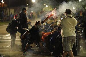 به آتش کشیده شدن ایالت ویسکانسین آمریکا به دست معترضان +فیلم