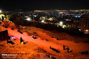 عکس/ عزاداری شب تاسوعا در کهف الشهدا