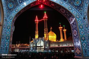 عکس/ شب تاسوعای حسینی در حرم حضرت معصومه(س)
