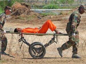 شکایت زندانی گوانتانامو از آمریکا و انگلیس