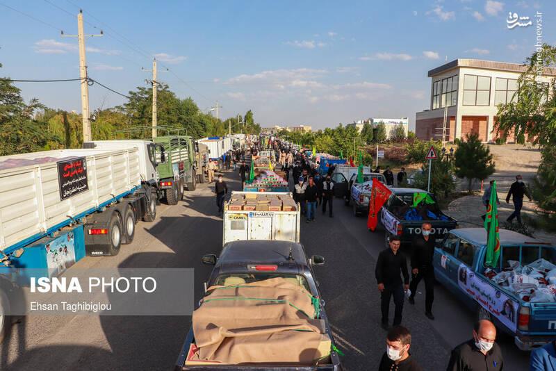 2898998 - عکس/ اقدام زیبای زنجانیها در روز تاسوعا