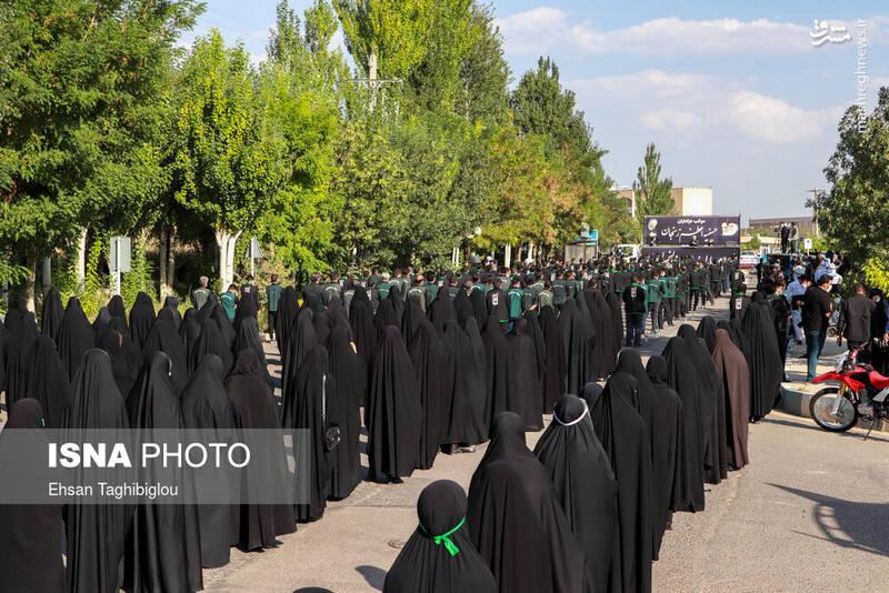 2899000 - عکس/ اقدام زیبای زنجانیها در روز تاسوعا
