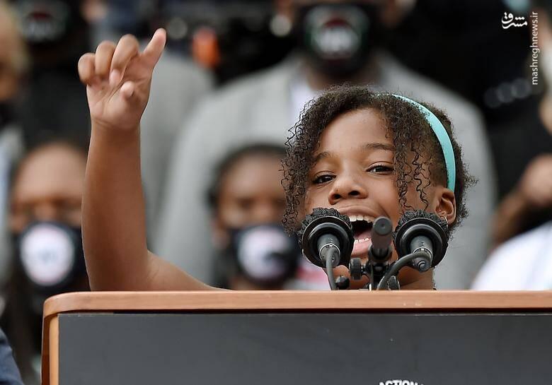 """""""یولاندا رنی کینگ"""" نوه مارتین لوتر کینگ در حال سخنرانی در بنای یادبود ابراهام لینکلن /عکس: رویترز"""