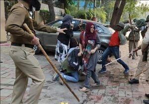 فیلم/ حمله ناجوانمردانه پلیس هند به عزاداران حسینی