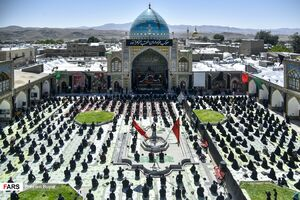 عکس/ نماز ظهر عاشورا در پایتخت شور و شعورحسینی