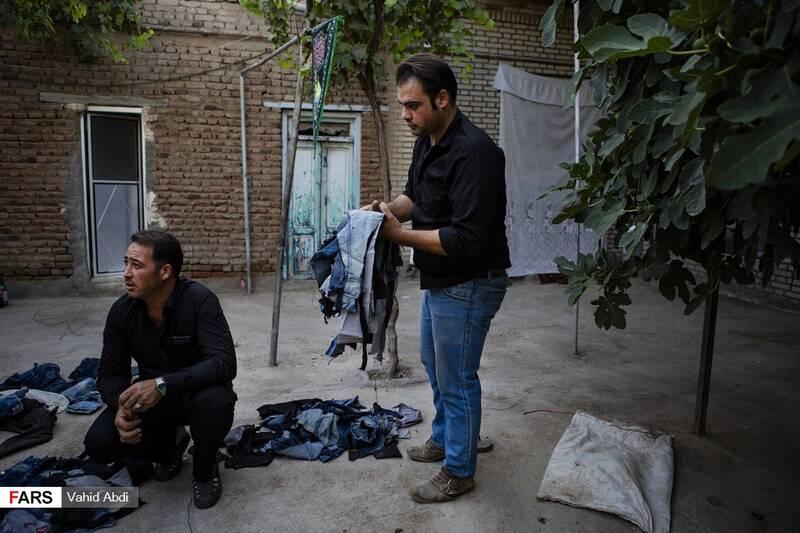 دسته کردن پارچه های بریده شده - آئین مذهبی پولکه پرانی