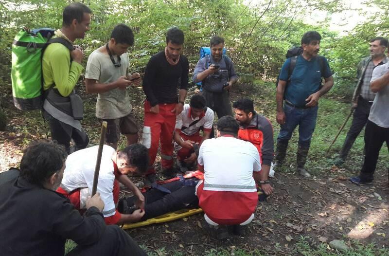 نجات گردشگران مفقود شده در ارتفاعات بندرگز