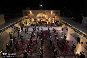 عکس/ مراسم شام غریبان در مسجد تاریخی چالش تر