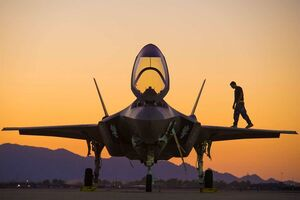 نگاهی به نحوه فروش جنگنده توسط آمریکا به کشورهای همسایه ایران/ از زندانی شدن اف-۱۶های پاکستان تا زمینگیر کردن مشکوک هواپیماهای عراقی +عکس