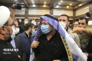رئیس مجلس با لباس محلی در خوزستان