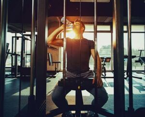 ۵ عادت بد که باعث تحلیل انرژی میشود