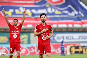 خانزاده: مدیرعامل استقلال نشان داد فوتبالی نیست