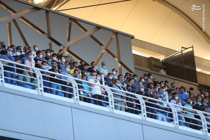 2906055 - تعداد زیاد تماشاگران در ورزشگاه امام رضا +عکس