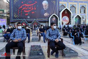 عکس/ نواختن زنگ ایثار و شهادت در گلزار شهدای کرمان