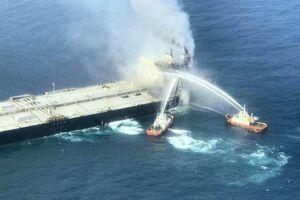 عکس/ انفجار در یک نفتکش بزرگ در آبهای سریلانکا