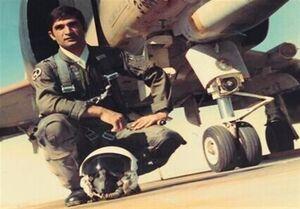 خلبان محمدیوسف احمدبیگی به همرزمان شهیدش پیوست