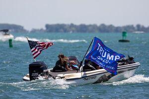 فیلم/ طرفداران ترامپ در دریاچه غرق شدند!