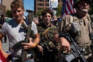 فیلم/ چالش هواداران مسلح در خیابانها