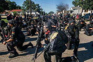 رژه مسلحانه مردم و گروه های آمریکایی در اعتراض به بی عدالتی/ لوئیزویل-کنتاکی