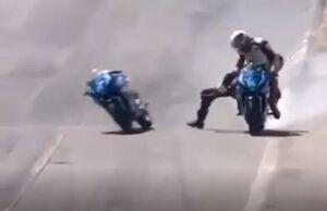 فیلم/  تصادف عجیب حین برگزاری مسابقه موتورسواری