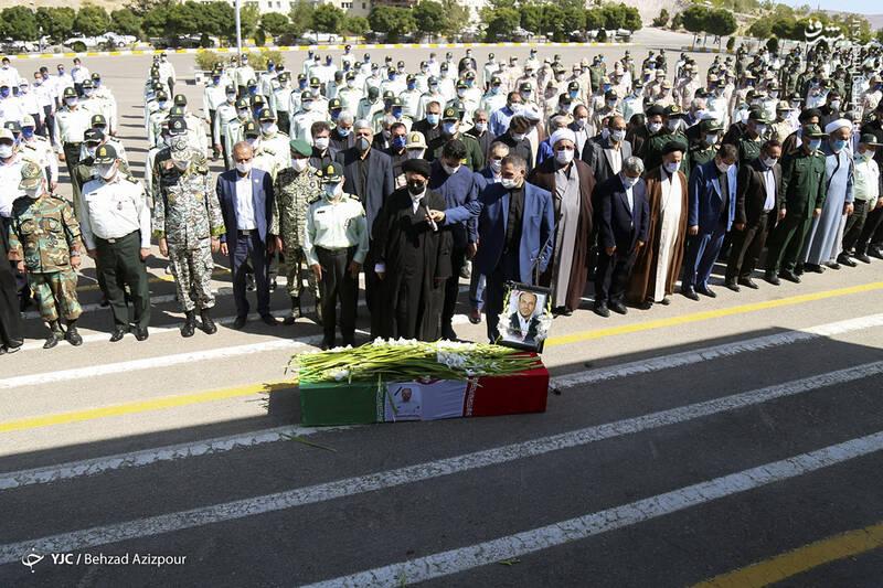 2916987 - عکس/ تشییع شهید مدافع امنیت در تبریز