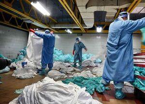 عکس/ کارگران نامرئی در بیمارستانهای کرونایی