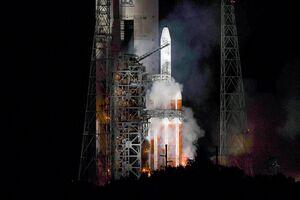 سریالی از نقص فنی و سقوط برای موشکهای چینی و آمریکایی در هفتههای اخیر/ ماهواره سرّی ایالات متحده گرفتار ماهوارهبر نامطمئن! +فیلم