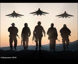گاف عجیب تیم رسانهای کمپین انتخاباتی دونالد ترامپ / استفاده از جنگنده و اسلحه روسی در بنر حمایت از سربازان امریکایی +عکس