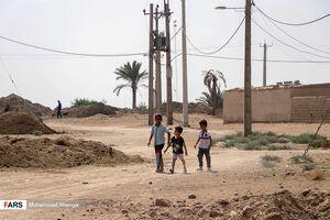 عکس/ نصب سه مخزن دائمی آب برای روستاهای انتهایی غیزانیه