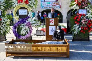 عکس/ تشییع چهارمین پزشک مدافع سلامت اصفهان