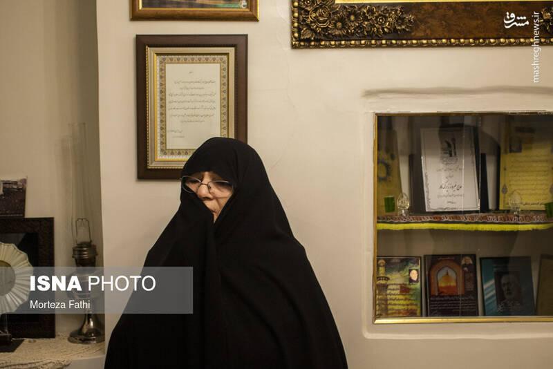 همسر آن مرحوم که به گفته حاج فیروز نقش به سزایی در موفقیت زندگیشان داشت