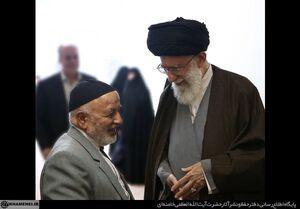عکس/ مرحوم حاج علی شمقدری در کنار رهبر انقلاب