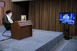 عکس/ سخنرانی رهبرانقلاب در مراسم هفته دفاع مقدس