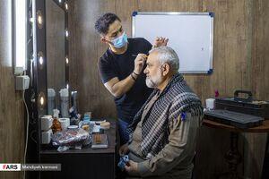 عکس/ سردار نقدی در اتاق گریم