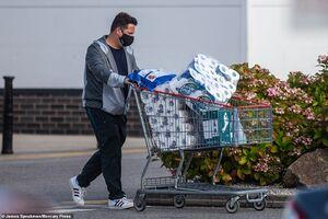 عکس/ هجوم مردم به فروشگاهها از ترس موج دوم کرونا
