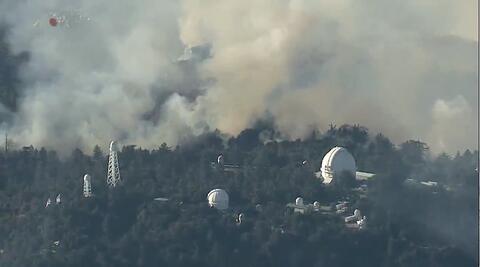 فیلم/آتشسوزی در بزرگترین تاسیسات تلویزیونی کالیفرنیا