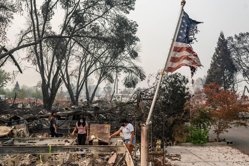 ایالات محترقه آمریکا همچنان میسوزد/ دوباره آتش و دود؛ دوباره دعوای ترامپ و دموکراتها +عکس و فیلم