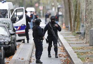 حمله مسلحانه نزدیک دفتر سابق نشریه هتاک فرانسوی