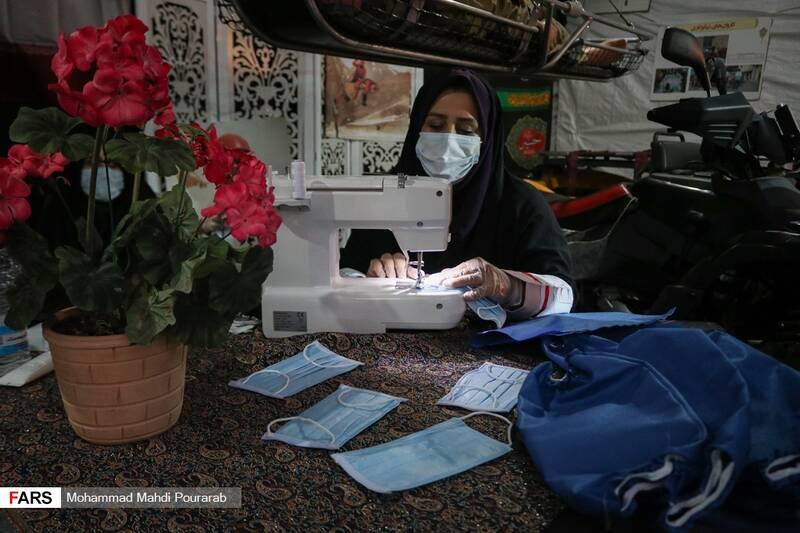 غرفه نمادین خودکفایی در موضوع تولید ماسک و لوازم بهداشتی
