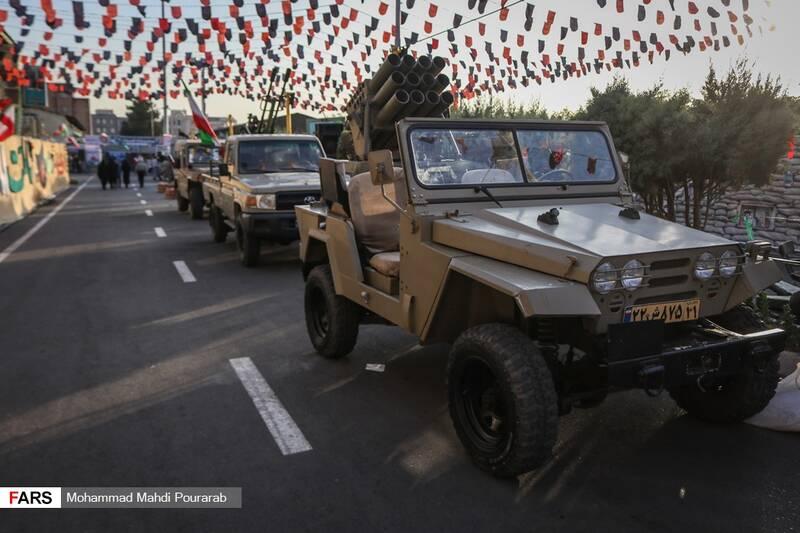 نمایش خودرو های نظامی در نمایشگاه اقتدار 40