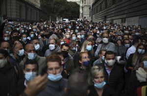 عکس/ تجمع اعتراضی رستوران داران در فرانسه