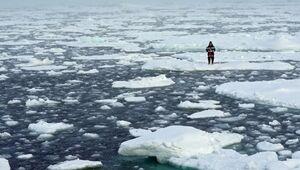 عکس/ تظاهرات روی یخهای قطبی