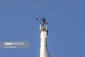عکس/ عملیات پرش از برج پرچم