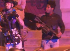 فیلم/ سلاح مدرن در دست معترضین آمریکایی