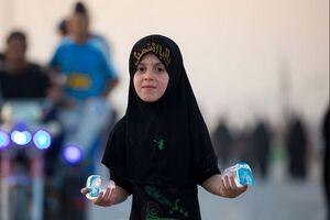 عکس/ خادم کوچک زائران اربعین حسینی در عراق