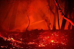عکس/ آخرین وضعیت از  آتش سوزی در کالیفرنیا