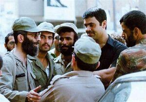 عکس/ اسلحه شخصی رهبر انقلاب در جنگ