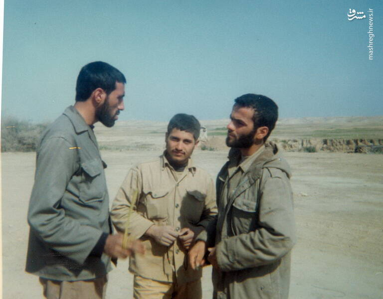 شهید مجید زادبود در کنار شهید بهمن نجفی