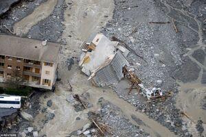 عکس/ خانههایی که آب آنها را برد
