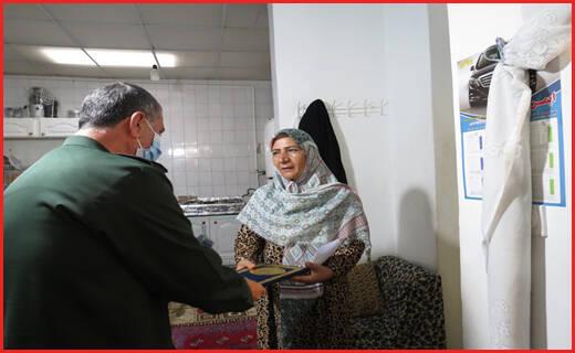 ناگفتههای خانم مجری که دستش توسط ضدانقلاب قطع شد+ تصاویر